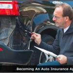 Image of an auto insurance appraiser